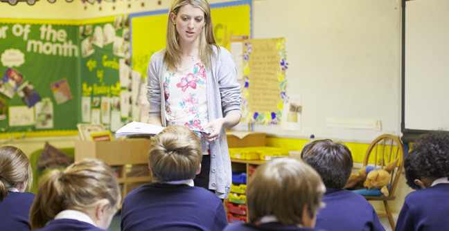 how to become a teacher in scotland
